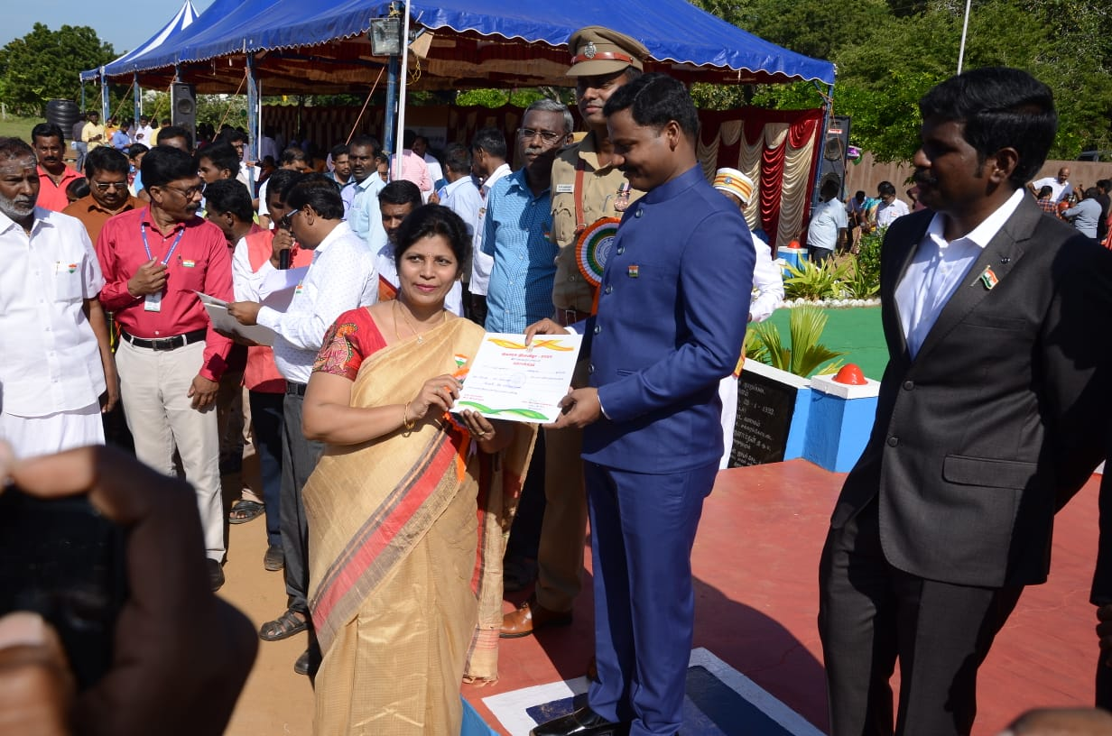 DR. B Kalpana was Appreciated for her Outstanding Medical Services during 2020 Republic day ceremony at the Police Armed Forces Ground, Ramanathapuram